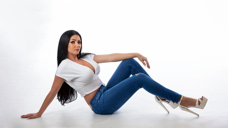 LauraJade18